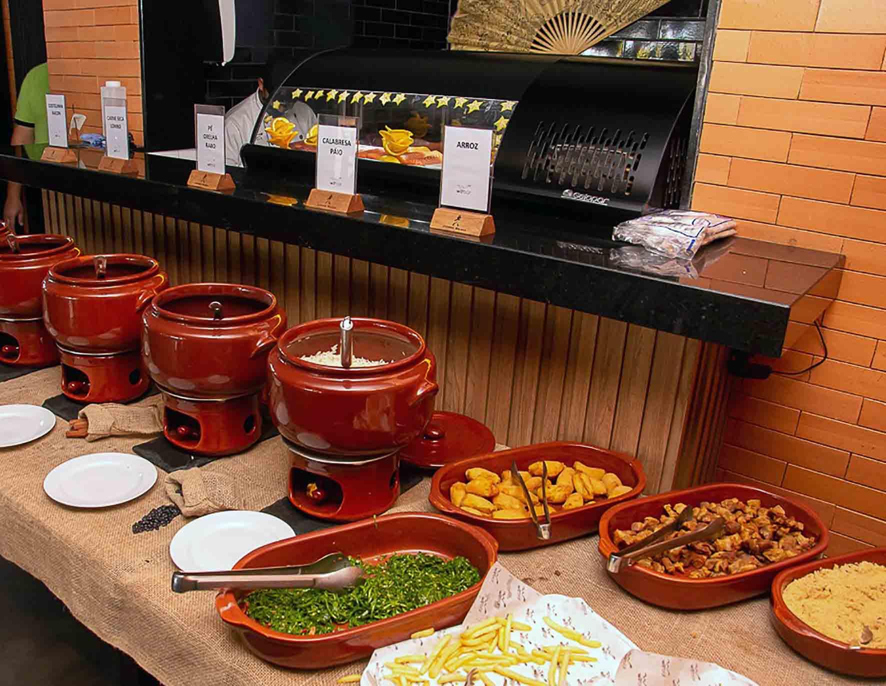 Wit Bar fecha agosto com gastronomia, samba, pagode e humor